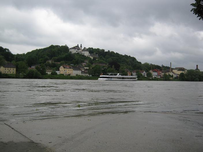 floodedDanube.JPG